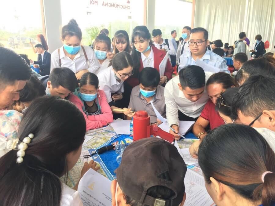 Đông đảo khách hàng tham dự sự kiện mở bán dự án Long Cang Riverpark - Chủ đầu tư Phúc Land