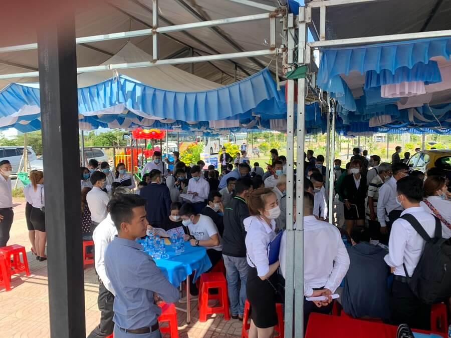 Sự kiện Phúc Land bung giỏ hàng mới đẹp nhất dự án Tân Lân Residence đã thu hút gần 500 khách hàng tham dự