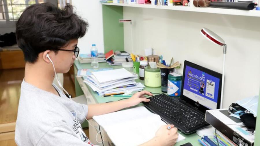 Sale Phúc Land áp dụng công nghệ số khi làm việc online tại nhà để tiếp cận khách hàng hiệu quả trong mùa dịch Covid-19