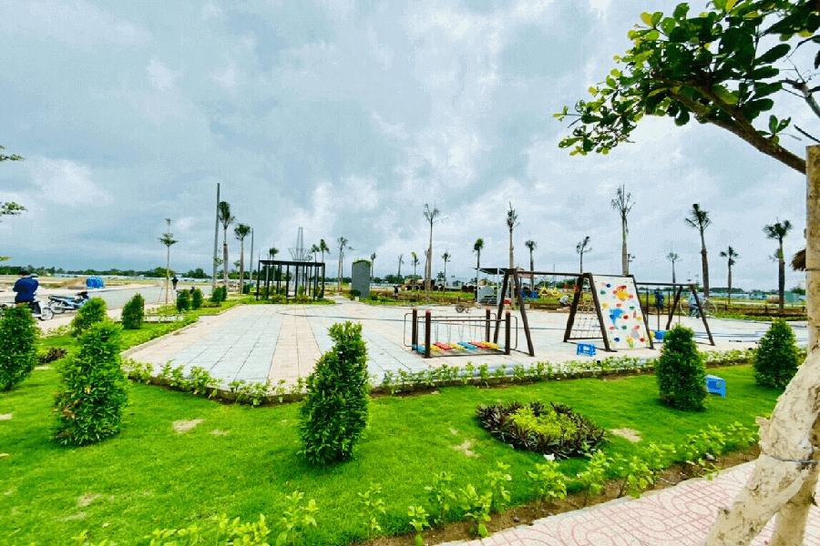 Khu vui chơi trẻ em và sân vận động thể thao đa năng tại dự án