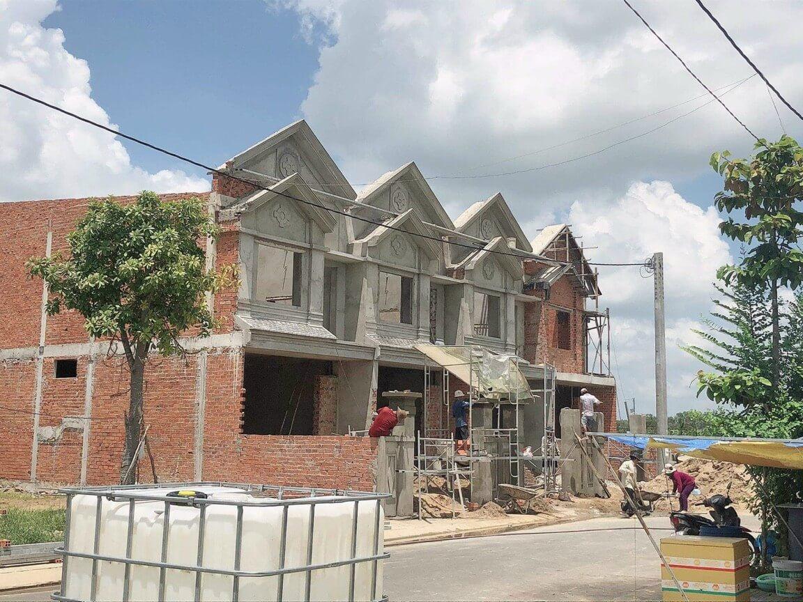 Theo Phúc Land, bên cạnh đất nền sổ đỏ thì nhà phố liền kề chính là phân khúc bất động sản giữ giá tốt nhất hiện nay