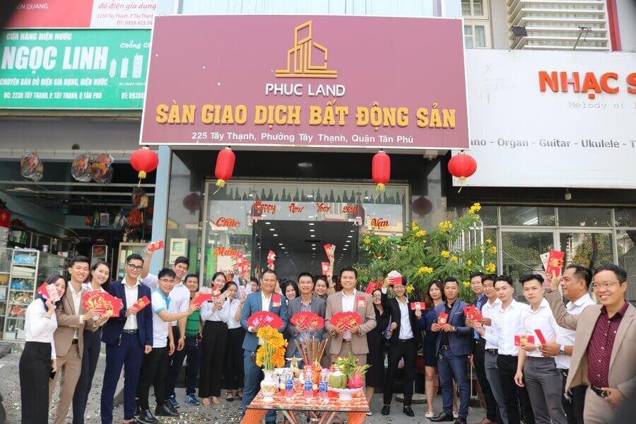 Với gần 8 năm thành lập & phát triển, Phuc Land đã, đang triển khai và bàn giao cho khách hàng nhiều dự án quy mô lớn và đạt chất lượng cao